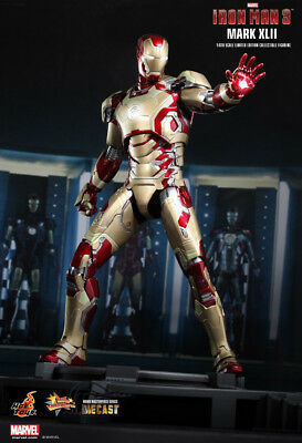 Iron Man 3 - IRON MAN Mk42 Diecast 1:6 Scale Figure MMS197-D02 Hot Toys NEW