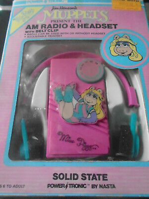 RARE Jim Henson Muppets Miss Piggy AM Small Pink Radio VINTAGE in Box