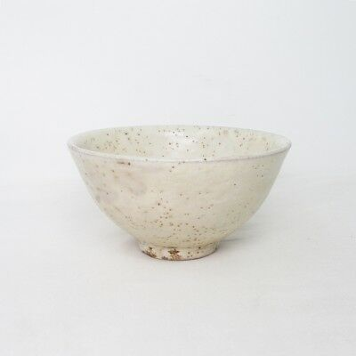 B996: Korean tea bowl of pottery with popular AMAMORI glaze of Joseon style