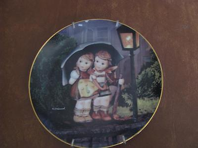Stormy Weather M.I. Hummel Little Companions Danbury Mint Collector Plate #44