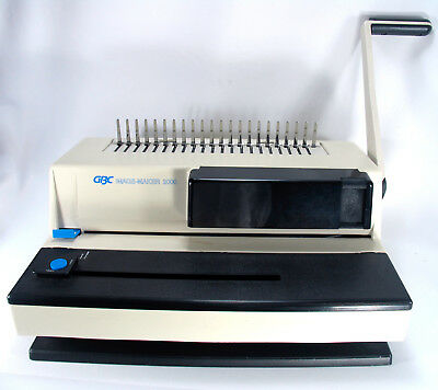 GBC Image Maker 2000 (IM2000) Comb Binding Machine with many Combs