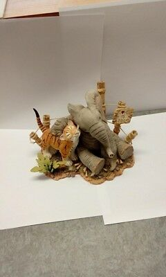 Tuskers love is a friend large 91412 unboxed used