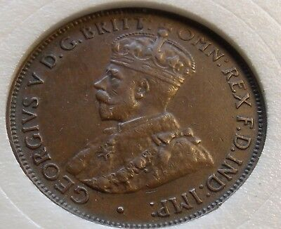 XF 1931 Australia Half Penny, 6 Pearls and Full FCD. Nice Tone w Locking Holder.