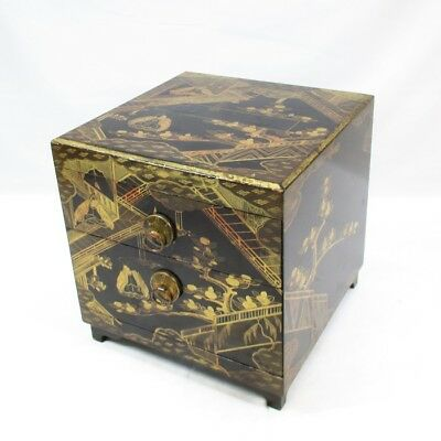 D197: Japanese old lacquered chest of drawers with very good design of MAKIE