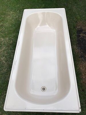 Cream bathtub