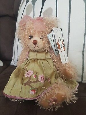 "Settler Bear ""Annique"" 25cm New Condition with original tags"