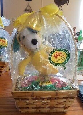 peanuts small easter basket