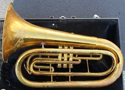 King USA Model 1124 Marching  Baritone Horn with Case & Mouthpiece