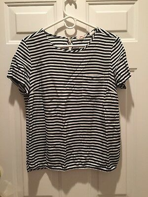 Levi's striped black/white striped short sleeve top size Large