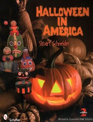 Halloween in America: A Collector's Guide with Prices, Second Edition