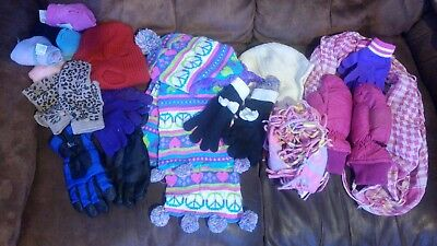 Girls Winter Accessories Lot (Gloves, Scarves, hats) ages 4 to 12 ? GUC