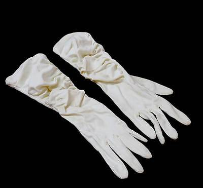 Vintage cream ruched 1950s ladies gloves with FINELON Size 7 on the tag