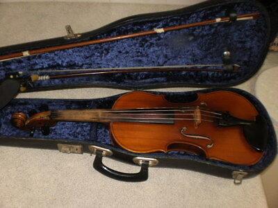 LARK VIOLIN with hard case made in Shanghai,China *****Vintage******