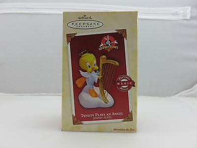 Hallmark Keepsake MAGIC Ornament TWEETY PLAYS AN ANGEL Looney Tunes NEW 2005