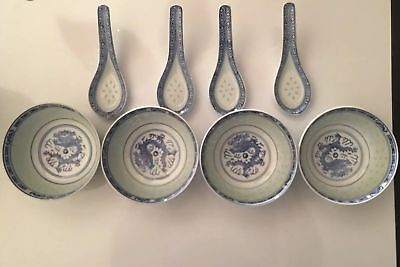 """4 Asian Chinese Porcelain Blue & White Soup/rice Bowls & Spoons 4-1/2""""  Vintage"""