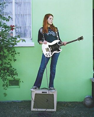 Neko Case 8 x 10 / 8x10 GLOSSY Photo Picture