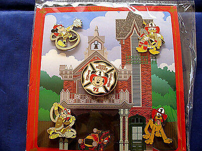 Disney * FIREHOUSE - FIREMAN MICKEY & FRIENDS * New in Package 5 Pin BOOSTER Set