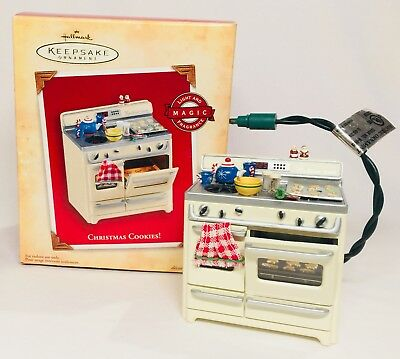 Hallmark Keepsake Christmas Cookies Stove Kitchen TESTED 2004 A