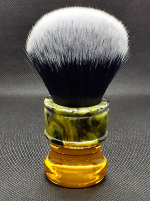 Yaqi 24MM Sagrada Familia Black/White Synthetic Fibre Shave Brush R1730
