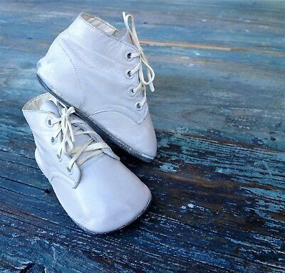 MRS DAYS IDEAL VINTAGE 1940's BABY INFANT /DOLL DISTRESSED LEATHER BOOTIES & BOX