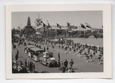 1939 Photo of Marchers and Vehicles at the GGIE World's Fair SF CA