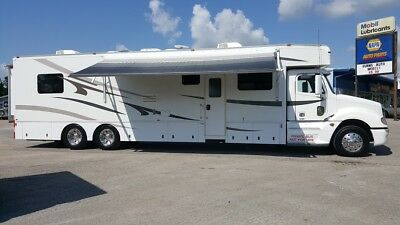 2007 Haulmark 45' Motorhome Toterhome Mercedes 450HP 2-Slides King Bed