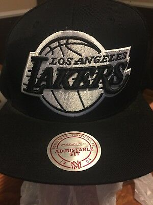 best service 6514b 63ad6 Los Angeles LA Lakers Mitchell And Ness Strapback Snapback Black And White