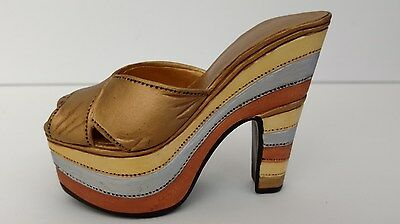 Just the Right Shoe - 25023 - Magnetic Allure -Raine-Willitts - 1999 - Miniature