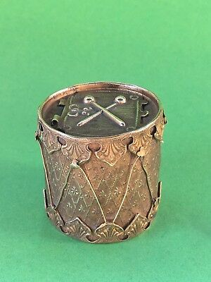 Messing Nadelbehälter Trommel Brass Needle Case The Drum W. Avery & Son