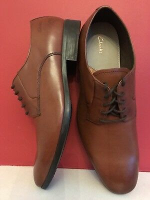 11e7430d692 CLARKS BANFIELD Leather Tan Lace Up Shoes size Uk 9.5 BRAND NEW WITH BOX!