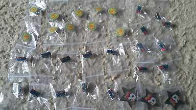 Lot of 31 Toys R Us Pins Buttons: Wow, In Stock, Clean & Bright, Credit Star