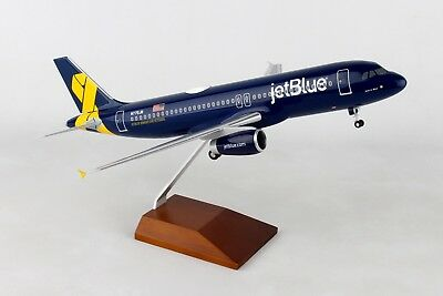 Skymarks SKR8356 Jetblue Airbus A320 Veterans Desk Display 1/100 Model Airplane