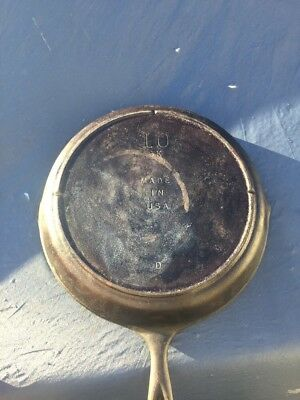 """Vintage Unmarked Lodge SK-10 12"""" Cast Iron Skillet with Heat Ring"""