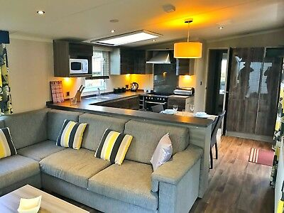 LUXURY HOLIDAY HOME, North Wales, 5-Star Park,Near Beach, BRYNTEG