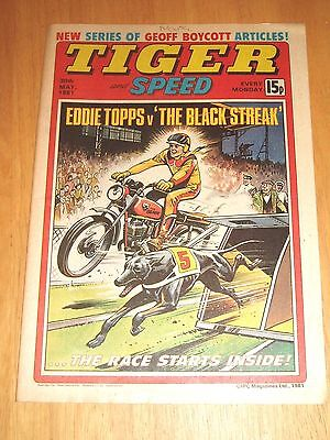 Tiger Comic 30/5/1981 With Glamorgan County Cricket Team Centrefold Poster