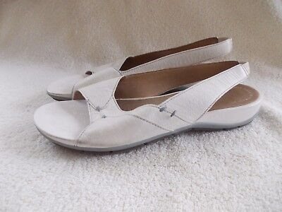 740185cae25 LADIES CLARKS ACTIVE Air White Leather Sandals Size 5 D   38 Stylish ...