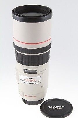 Canon EF 300mm f/4L IS USM Professional Telephoto Lens EXCELLENT CONDITION!