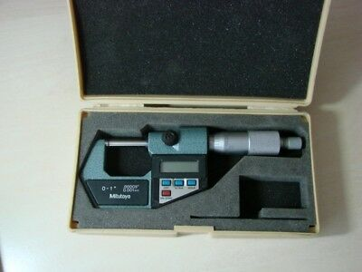 """MITUTOYA digital micrometer 0-1"""" 0-25mm FIRST CLASS CONDITION."""