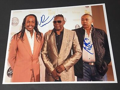 EARTH,WIND & FIRE  'V. WHITE & JOHNSON' In-person signed Foto 20 x 25 Autogramm