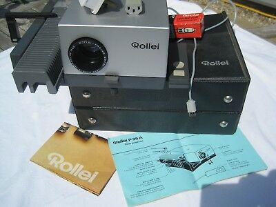 Rollei P35 A 35mm Slide Projector + Original case and booklet + Remote control
