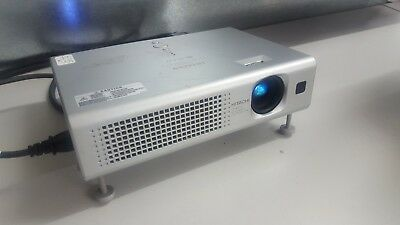 Hitachi CP-RS55 LCD Projector