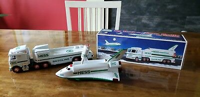 1999 Hess Toy Truck And Space Shuttle W/satellite Mint Condition