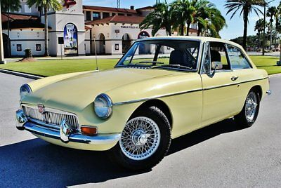 1969 MG MGB GT Coupe Restored 4-Speed Gorgeous Car Beautiful Olds School MG 4 Cylinder Dual Carb 4-Speed Light