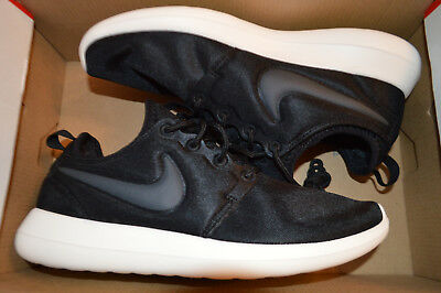 more photos 9f24c f2d28 New Nike Womens Roshe Two 2 Run Running Shoes 844931-002 sz 7 Black-
