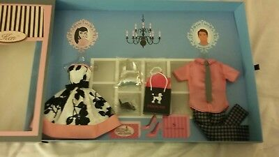 On the avenue with barbie fashions giftset convention 2018 exclusive NIB