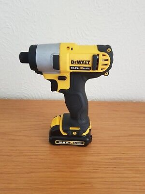 DeWALT 10.8v XR LI-ION impact driver DCF815 with DeWALT 10.8v 3AH battery DCB125