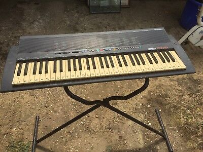 YAMAHA PSR-18 Electronic Keyboards/Piano *Made in Japan not tested no power lead