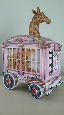 SKI COUNTRY Barnum Circus Wagon Giraffe In Cage 1977 Large Decanter