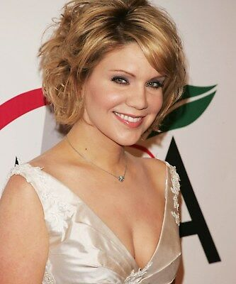 Alison Krauss 8 x 10 / 8x10 GLOSSY Photo Picture IMAGE #3