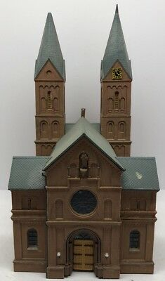 HO scale Lot Of Buildings  vintage model railroad. Church Cathedral Lot 12